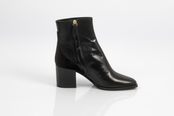 Bottines cuir noir n°660 rivecour talons